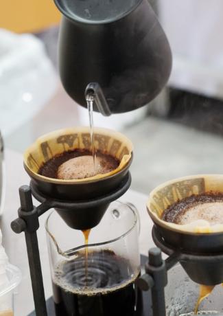 焼きたてのパンと入りたてのコーヒーと「プラススクエア」